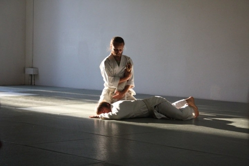 Uchi_deshi_at_aikido_of_berkeley_dojo+description+nikkyu1-large-12356