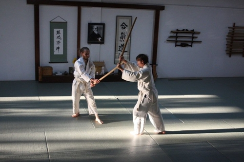 Uchi_deshi_at_aikido_of_berkeley_dojo+description+nikkyu2-large-12359